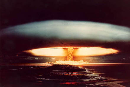 Explosion-nucleaire-small